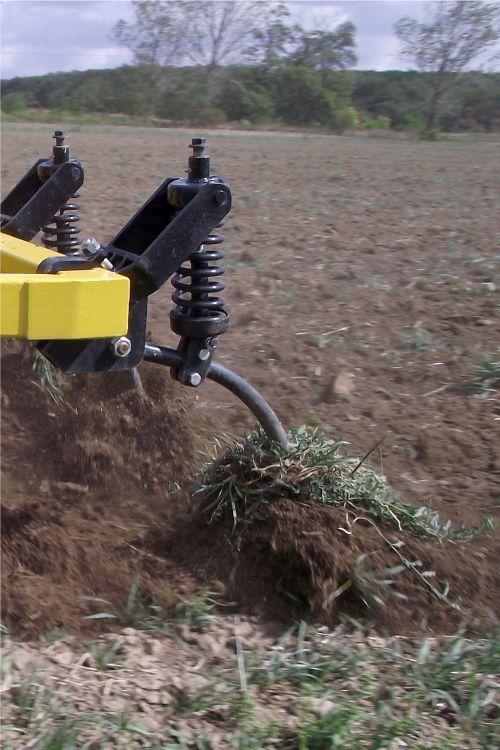 könnyű szántóföldi kultivátor terepkövető rugó biztosítás