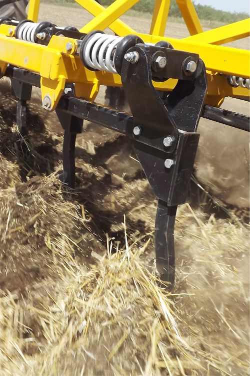 nehéz szántőföldi kultivátor rugós művelőelem biztosítás