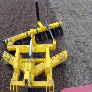 talajlazító V 3 késes